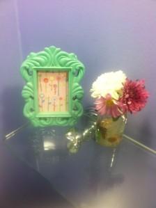 I love having fresh flowers in the bathroom.